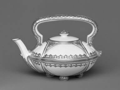 Worcester Royal Porcelain Co. (founded 1751). <em>Teapot and Cover</em>, 1880. Porcelain, 4 1/2 x 6 1/2 x 5 in. (11.4 x 16.5 x 12.7 cm). Brooklyn Museum, Gift of the Estate of Harold S. Keller, 1999.152.66a-b. Creative Commons-BY (Photo: Brooklyn Museum, 1999.152.66a-b_bw.jpg)