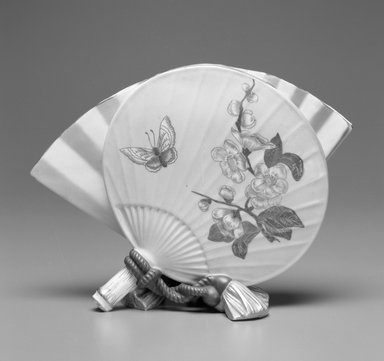 Worcester Royal Porcelain Co. (founded 1751). <em>Vase, shape 696</em>, 1883. Porcelain, 6 3/4 x 9 1/4 x 3 7/8 in. (17.1 x 23.5 x 9.8 cm). Brooklyn Museum, Gift of the Estate of Harold S. Keller, 1999.152.8. Creative Commons-BY (Photo: Brooklyn Museum, 1999.152.8_bw.jpg)