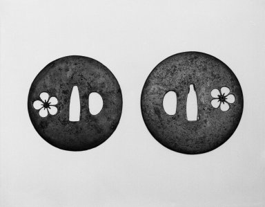 <em>Sword Guard Pair (Daisho Tsuba)</em>, 17th century. Pierced iron (sukashi), a: diam. 2 3/4 in. (7.0 cm). Brooklyn Museum, Gift of Dr. and Mrs. Barry Brumberg, 1999.98.1-.2. Creative Commons-BY (Photo: Brooklyn Museum, 1999.98.1-.2_view1_bw.jpg)