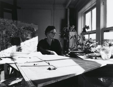 Arthur Mones (American, 1919-1998). <em>Janet Fish</em>, 1979. Gelatin silver photograph, image:  10 1/2 x 13 1/2 in.  (26.7 x 34.3 cm);. Brooklyn Museum, Gift of Wayne and Stephanie Mones at the request of their father, Arthur Mones, 2000.89.21. © artist or artist's estate (Photo: Brooklyn Museum, 2000.89.21_PS4.jpg)