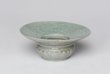 <em>Spittoon</em>, mid-12th century. Stoneware with celadon glaze, Height: 2 7/16 in. (6.2 cm). Brooklyn Museum, Gift of the Asian Art Council in memory of Pauline B. Falk, 2001.31. Creative Commons-BY (Photo: , 2001.31_PS11.jpg)