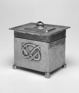 <em>Box</em>, 1900-1905. Pewter, amethyst, 3 1/4 x 4 x 3 3/8 in.  (8.3 x 10.2 x 8.6 cm). Brooklyn Museum, Gift of Rosemarie Haag Bletter and Martin Filler, 2001.90.6. Creative Commons-BY (Photo: Brooklyn Museum, 2001.90.6_bw.jpg)