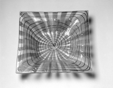 Michael Higgins (American, born England, 1908-1999). <em>Bowl</em>, ca. 1955. Glass, 1 5/8 x 10 x 9 15/16 in. (4.1 x 25.4 x 25.2 cm). Brooklyn Museum, H. Randolph Lever Fund, 2002.104.2. Creative Commons-BY (Photo: Brooklyn Museum, 2002.104.2_bw.jpg)