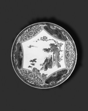 <em>Circular Plate</em>, 19th-20th century. White porcelain with overglaze enamel decoration, 1 5/8 x 9 7/16 in. (4.1 x 24 cm). Brooklyn Museum, Gift of Mr. and Mrs. Seth S. Faison, 2002.118.1. Creative Commons-BY (Photo: Brooklyn Museum, 2002.118.1_bw.jpg)