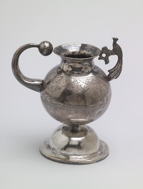 <em>Mate Cup</em>, late 19th century. Silver, 4 1/2 x 3 7/8 in. (11.4 x 9.9 cm). Brooklyn Museum, Gift of Mary Ann Krotzer, 2003.50.2. Creative Commons-BY (Photo: Brooklyn Museum, 2003.50.2.jpg)