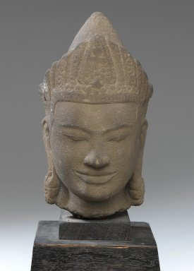 <em>Crowned Bodhisattva Head</em>, 12th century. Grey stone, 11 x 5 x 5 1/2 in. (28 x 12.7 x 14 cm). Brooklyn Museum, Gift of the Doris Duke Foundation, 2003.64.4. Creative Commons-BY (Photo: Brooklyn Museum, 2003.64.4_front_PS1.jpg)