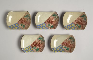 <em>Set of Five Mukozuke</em>, late 19th century. Porcelain with overglaze enamel decoration, 7/8 x 4 3/4 x 3 3/8 in. (2.3 x 12 x 8.5 cm). Brooklyn Museum, Gift of Dr. Alvin E. Friedman-Kien, 2004.112.28. Creative Commons-BY (Photo: , 2004.112.25-.29.jpg)