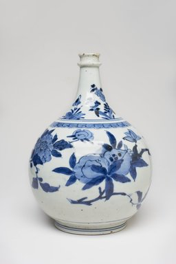<em>Vase</em>, 1680-1700. Porcelain with underglaze blue, 9 1/2 x 7 1/2 in. (24.1 x 19.1 cm). Brooklyn Museum, The Peggy N. and Roger G. Gerry Collection, 2004.28.23. Creative Commons-BY (Photo: Brooklyn Museum, 2004.28.23_view1_PS11.jpg)