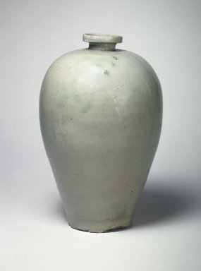 <em>Vase</em>, late 11th-12th century. Stoneware with celadon glaze, Height: 10 1/4 in. (26.1 cm). Brooklyn Museum, The Peggy N. and Roger G. Gerry Collection, 2004.28.247. Creative Commons-BY (Photo: Brooklyn Museum, 2004.28.247.jpg)