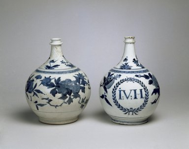 <em>Bottle Vase</em>, 1680-1700. Arita ware, porcelain with underglaze blue, height: 10 in. (25.4 cm). Brooklyn Museum, The Peggy N. and Roger G. Gerry Collection, 2004.28.286. Creative Commons-BY (Photo: , 2004.28.286_2004.28.23_SL3.jpg)