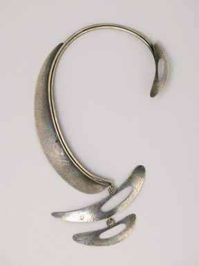 "Art Smith (American, born Cuba, 1917-1982). <em>""Patina"" Necklace</em>, ca. 1959. Silver, 11 1/8 x 6 1/8 x 1/4 in. (28.3 x 15.6 x 0.6 cm). Brooklyn Museum, Gift of Charles L. Russell, 2007.61.2. Creative Commons-BY (Photo: Brooklyn Museum, 2007.61.2_PS2.jpg)"