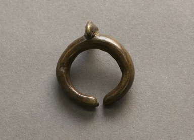 Senufo. <em>Ring with Small Chameleon</em>, early 20th century. Bronze, 13/16 x 1 1/4 in. (2 x 3.1 cm). Brooklyn Museum, Gift of Jerome Vogel, 2012.76.14. Creative Commons-BY (Photo: Brooklyn Museum, 2012.76.14_PS10.jpg)