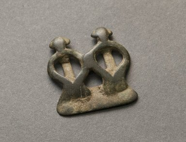 Senufo. <em>Divination Twin Figure</em>, early 20th century. Bronze, 1 x 1 x 1/16 in. (2.5 x 2.5 x 0.2 cm). Brooklyn Museum, Gift of Jerome Vogel, 2012.76.23. Creative Commons-BY (Photo: Brooklyn Museum, 2012.76.23_PS10.jpg)