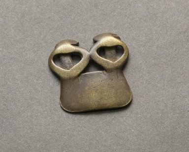 Senufo. <em>Divination Twin Figure</em>, early 20th century. Bronze, 15/16 x 1 x 1/8 in. (2.4 x 2.5 x 0.3 cm). Brooklyn Museum, Gift of Jerome Vogel, 2012.76.25. Creative Commons-BY (Photo: Brooklyn Museum, 2012.76.25_PS10.jpg)