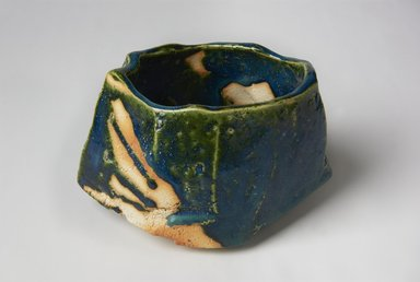 Kakurezaki Ryuichi (Japanese, born 1950). <em>Tea Bowl</em>, 2008. Stoneware with green oribe glaze, 4 × 6 1/2 × 5 in. (10.2 × 16.5 × 12.7 cm). Brooklyn Museum, Gift of Shelly and Lester Richter, 2013.83.26. Creative Commons-BY (Photo: Brooklyn Museum, 2013.83.26_view1_PS11.jpg)