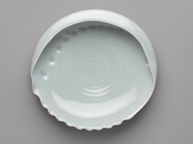 Yagi Akira (Japanese, born 1955). <em>Bowl in the Shape of an Albone</em>, 2008. Porcelain with celadon glaze, 3 1/8 x 11 13/16 x 11 in. (8 x 30 x 28 cm). Brooklyn Museum, Gift of Shelly and Lester Richter, 2013.83.9. Creative Commons-BY (Photo: Brooklyn Museum, 2013.83.9_view1_PS9.jpg)
