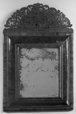 American. <em>Looking Glass</em>, ca. 1710. Glass, walnut, 28 1/4 x 18 1/2 in. (71.8 x 47 cm). Brooklyn Museum, 23.260. Creative Commons-BY (Photo: Brooklyn Museum, 23.260_acetate_bw.jpg)