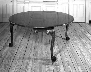 <em>Dining Table</em>, ca. 1750., 28 x 63 1/2 x 60 in. (71.1 x 161.3 x 152.4 cm). Brooklyn Museum, Robert B. Woodward Memorial Fund, 23.261. Creative Commons-BY (Photo: Brooklyn Museum, 23.261_bw.jpg)
