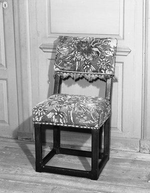 <em>Two Side Chairs</em>, ca. 1650. Oak, 38 x 20 x 16 3/4 in. (96.5 x 50.8 x 42.5 cm). Brooklyn Museum, 25.814.1. Creative Commons-BY (Photo: Brooklyn Museum, 25.814.1_acetate_bw.jpg)