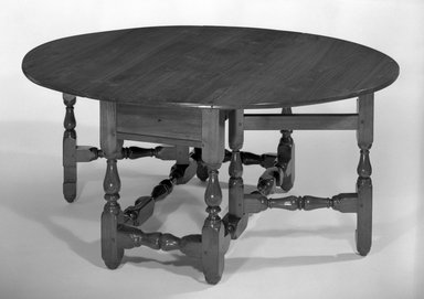 <em>Gate-legged Table</em>, ca. 1700-1725. Walnut, open: 26 1/2 x 58 3/4 x 49 1/4 in. (67.3 x 149.2 x 125.1 cm). Brooklyn Museum, Henry L. Batterman Fund, 26.35. Creative Commons-BY (Photo: Brooklyn Museum, 26.35_bw.jpg)