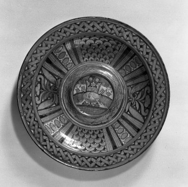 <em>Majolica Plate</em>, 16th c. Ceramic, 12 3/8 in. (31.4 cm). Brooklyn Museum, Gift of Mrs. A. Augustus Healy, 27.405. Creative Commons-BY (Photo: Brooklyn Museum, 27.405_acetate_bw.jpg)