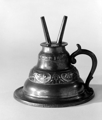 Capen and Molineux. <em>Lamp</em>, 1848-1854. Pewter, Overall: 4 x 4 x 4 in. (10.2 x 10.2 x 10.2 cm). Brooklyn Museum, Gift of Mrs. Samuel Doughty, 27.574. Creative Commons-BY (Photo: Brooklyn Museum, 27.574_bw.jpg)