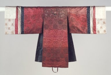 <em>Bride's Robe (Hwalot)</em>, 19th century. Embroidered silk panels, gold thread, paper lining, 16 5/16 x 44 1/2 in. (41.5 x 113 cm). Brooklyn Museum, Brooklyn Museum Collection, 27.977.5. Creative Commons-BY (Photo: Brooklyn Museum, 27.977.5_front.jpg)
