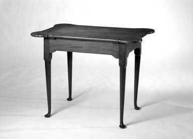<em>Table with Scalloped Corners</em>. Brooklyn Museum, Museum Collection Fund, 29.1112. Creative Commons-BY (Photo: Brooklyn Museum, 29.1112_bw.jpg)