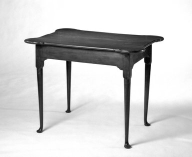 <em>Table with Scalloped Corners</em>. Brooklyn Museum, Museum Collection Fund, 29.1113. Creative Commons-BY (Photo: Brooklyn Museum, 29.1113_bw.jpg)