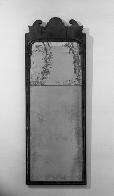 <em>Queen Anne Mirror</em>. Brooklyn Museum, Museum Collection Fund, 29.1115. Creative Commons-BY (Photo: Brooklyn Museum, 29.1115_acetate_bw.jpg)