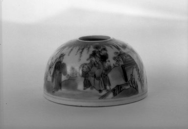 <em>Small Water Coupe with Low Foot Rim Beehive Shaped Body</em>, 1736-1795. Porcelain, blue underglaze, 1 3/4 x 2 13/16 in. (4.5 x 7.2 cm). Brooklyn Museum, Gift of the executors of the Estate of Colonel Michael Friedsam, 32.1005. Creative Commons-BY (Photo: Brooklyn Museum, 32.1005_bw.jpg)