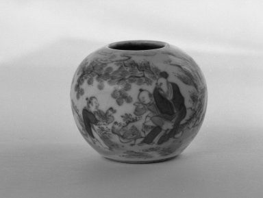 <em>Small Water Pot with a Low Foot Rim</em>, 1736-1795. Porcelain, blue underglaze, 1 3/4 x 2 3/16 in. (4.5 x 5.5 cm). Brooklyn Museum, Gift of the executors of the Estate of Colonel Michael Friedsam, 32.1022. Creative Commons-BY (Photo: Brooklyn Museum, 32.1022_bw.jpg)
