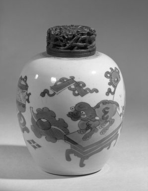 <em>Jar and Cover</em>, 1662-1722. Porcelain with cobalt-blue underglaze decoration, 5 3/4 x 4 5/16 in. (14.6 x 11 cm). Brooklyn Museum, Gift of the executors of the Estate of Colonel Michael Friedsam, 32.1051a-b. Creative Commons-BY (Photo: Brooklyn Museum, 32.1051a-b_acetate_bw.jpg)