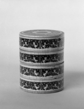 <em>Box and Cover</em>, 1736-1795. Porcelain with cobalt-blue underglaze decoration, 4 15/16 x 3 7/8 in. (12.5 x 9.8 cm). Brooklyn Museum, Gift of the executors of the Estate of Colonel Michael Friedsam, 32.1055a-b. Creative Commons-BY (Photo: Brooklyn Museum, 32.1055a-b_view1_bw.jpg)