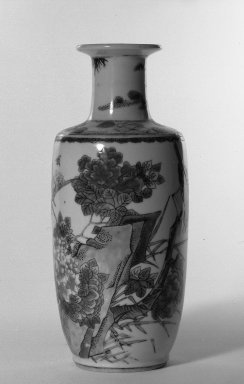 <em>Vase</em>, 1662-1772. Porcelain with overglaze enamel (wucai) design, 9 3/4 x 4 1/8 in. (24.8 x 10.5 cm). Brooklyn Museum, Gift of the executors of the Estate of Colonel Michael Friedsam, 32.1111. Creative Commons-BY (Photo: Brooklyn Museum, 32.1111_bw.jpg)