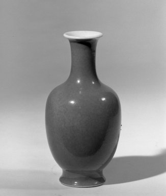 <em>Vase</em>, 18th-19th century. Porcelain with monochrome glaze, 5 1/4 x 2 5/8 in. (13.3 x 6.7 cm). Brooklyn Museum, Gift of the executors of the Estate of Colonel Michael Friedsam, 32.1216. Creative Commons-BY (Photo: Brooklyn Museum, 32.1216_acetate_bw.jpg)