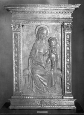 Domenico Rosseli. <em>Madonna and Child</em>. Terracotta, 34 1/2 x 25 3/4 in. (87.6 x 65.4 cm). Brooklyn Museum, Lydia Richardson Babbott Fund, 32.1599. Creative Commons-BY (Photo: Brooklyn Museum, 32.1599_acetate_bw.jpg)