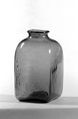 American. <em>Snuff Bottle</em>. Glass Brooklyn Museum, Gift of Theodora Wilbour, 32.1994. Creative Commons-BY (Photo: Brooklyn Museum, 32.1994_bw.jpg)