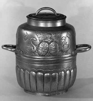 <em>Milk Can with Two Handles</em>, 18th century., Height (including cover): 11 3/8 in. (28.9 cm). Brooklyn Museum, Bequest of Margaret S. Bedell, 32.360. Creative Commons-BY (Photo: Brooklyn Museum, 32.360_acetate_bw.jpg)