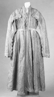 <em>Woman's Robe</em>, early 19th century. Red taffeta, Length 136.5. Brooklyn Museum, Gift of Mrs. Van S. Merle-Smith, 33.389. Creative Commons-BY (Photo: Brooklyn Museum, 33.389_bw.jpg)
