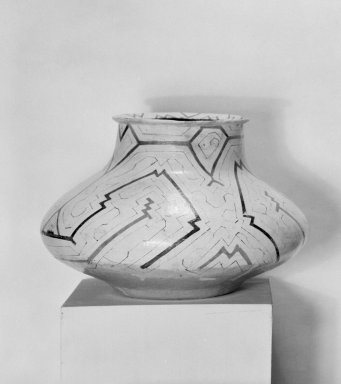 Shipibo Conibo. <em>Small Jar (Chomo Vacu)</em>, early 20th century. Ceramic, slips, resin, 7 3/16 x 10 1/2 x 10 1/2 in. (18.3 x 26.7 x 26.7 cm). Brooklyn Museum, Museum Expedition 1933, Purchased with funds given by Jesse Metcalf, 33.621. Creative Commons-BY (Photo: Brooklyn Museum, 33.621_acetate_bw.jpg)