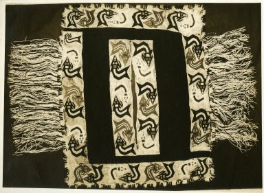 Nazca. <em>Poncho</em>, 200-600 C.E. Cotton, camelid fiber, 24 7/16 x 31 1/2in. (62 x 80cm). Brooklyn Museum, Alfred W. Jenkins Fund, 34.1583. Creative Commons-BY (Photo: Brooklyn Museum, 34.1583_print.jpg)