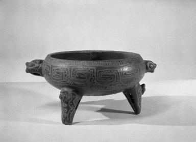 <em>Tripod Bowl</em>, 800-1500. Ceramic, pigments, 5 1/8 x 11 3/8 x 8 3/4 in. (13 x 28.9 x 22.2 cm). Brooklyn Museum, Alfred W. Jenkins Fund, 34.1895. Creative Commons-BY (Photo: Brooklyn Museum, 34.1895_acetate_bw.jpg)