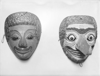 <em>Theatrical Mask</em>, 19th century. Wood, pigment, 7 1/2 x 6 1/8 in. (19 x 15.5 cm). Brooklyn Museum, Brooklyn Museum Collection, 34.34. Creative Commons-BY (Photo: , 34.33_34.34_glass_bw.jpg)