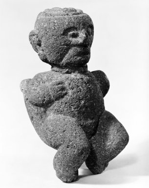 <em>Squatting Male Figure</em>. Volcanic Stone, 2 1/2 x 4 x 5 in. (6.4 x 10.2 x 12.7 cm). Brooklyn Museum, Alfred W. Jenkins Fund, 34.5044. Creative Commons-BY (Photo: Brooklyn Museum, 34.5044_bw.jpg)