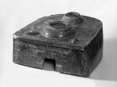 <em>Tomb Model of a Stove</em>, 1st century B.C.E.-2nd century C.E. Earthenware with lead glaze, 7 5/16 x 10 3/4 x 12 in. (18.5 x 27.3 x 30.5 cm). Brooklyn Museum, Museum Collection Fund, 34.5689. Creative Commons-BY (Photo: Brooklyn Museum, 34.5689_bw.jpg)