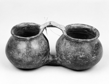 Southwest (unidentified). <em>Blackware Double Jar with handle</em>. Pottery, 9 3/4 x 5 1/4 x 4 3/4 in.  (24.8 x 13.3 x 12.1 cm). Brooklyn Museum, Brooklyn Museum Collection, 34.596. Creative Commons-BY (Photo: Brooklyn Museum, 34.596_bw.jpg)