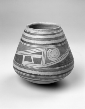 Southwest (unidentified). <em>Jar</em>, 17th century. Clay, slip, galena, lead ore, 8 11/16 x 8 3/8 x 8 3/8 in. (22.1 x 21.3 x 21.3 cm). Brooklyn Museum, Brooklyn Museum Collection, 34.604. Creative Commons-BY (Photo: Brooklyn Museum, 34.604_bw.jpg)