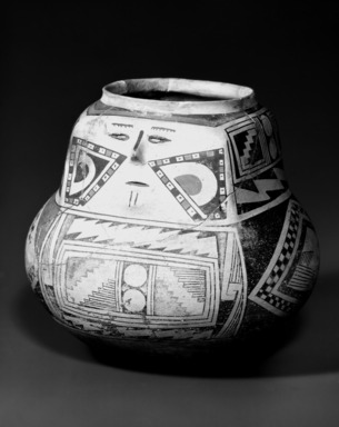 Pueblo (unidentified). <em>Jar</em>, 1200-1450 C.E. Pottery, galena, lead ore, 6 7/8 x 7 7/8 in.  (17.5 x 20.0 cm). Brooklyn Museum, Brooklyn Museum Collection, 34.641. Creative Commons-BY (Photo: Brooklyn Museum, 34.641_bw.jpg)