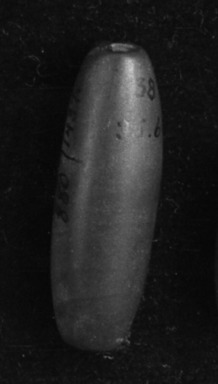<em>Bead</em>. Jade Brooklyn Museum, Alfred W. Jenkins Fund, 35.613. Creative Commons-BY (Photo: Brooklyn Museum, 35.613_acetate_bw.jpg)